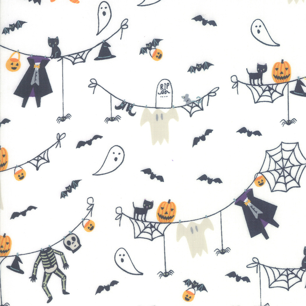 Ghouls and Goodies - Spooky Clothesline White 20681-11